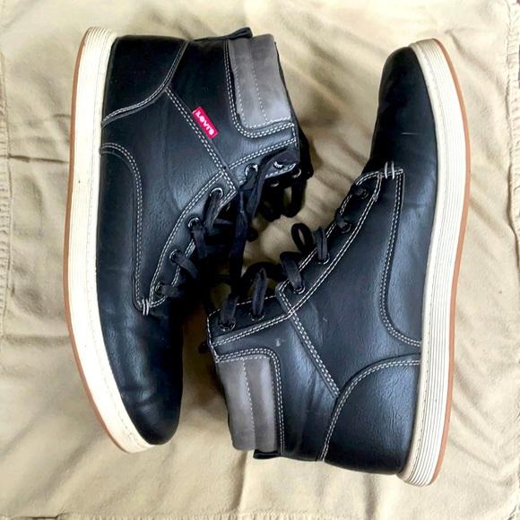 Levi's men's boot shoe/sneaker